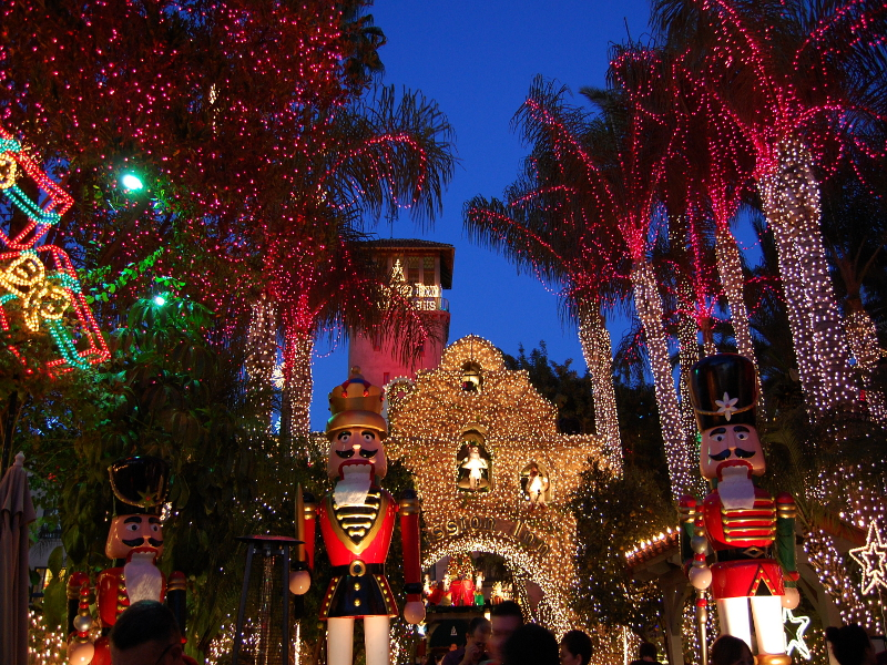 The 20th Annual Festival of Lights illuminates downtown - Highlander
