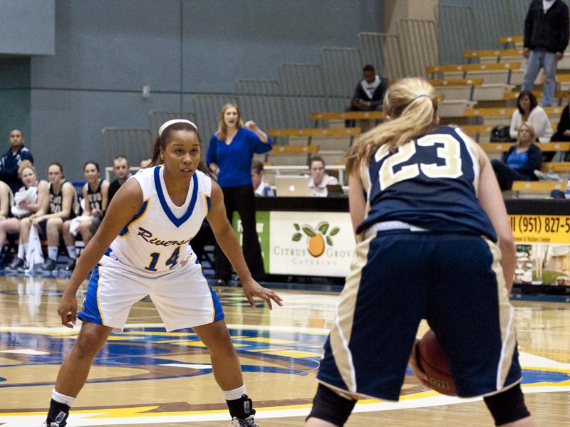 15.Sports.UCRUCDWomensBasketball.05.Tre'Shonti Nottingham.RGB.jk