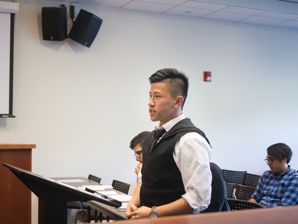 Jeffrey Chang/HIGHLANDER Jonathan Li speaks to the ASUCR Senate as an applicant for the President Pro Tempore position