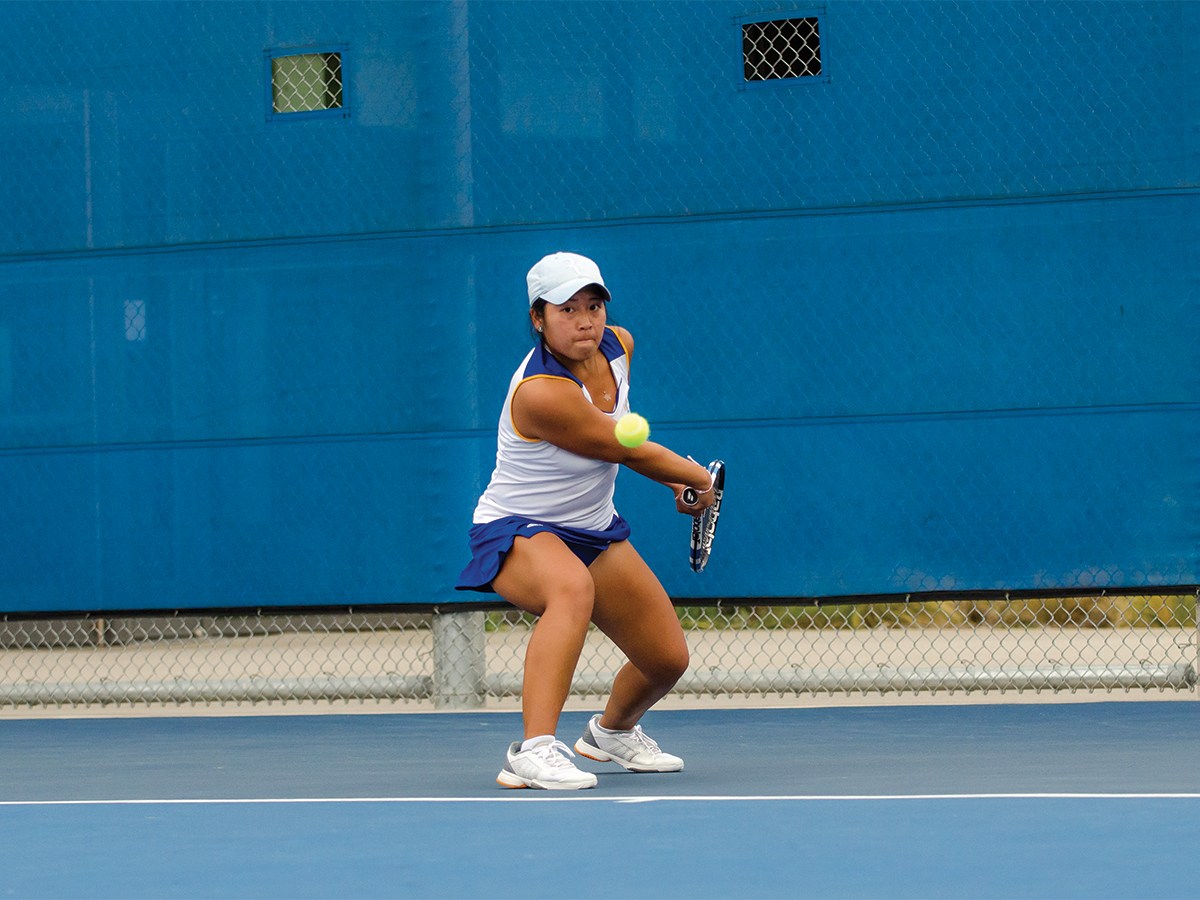 Chloe Pham, So. Pham looking to hit a backhand.