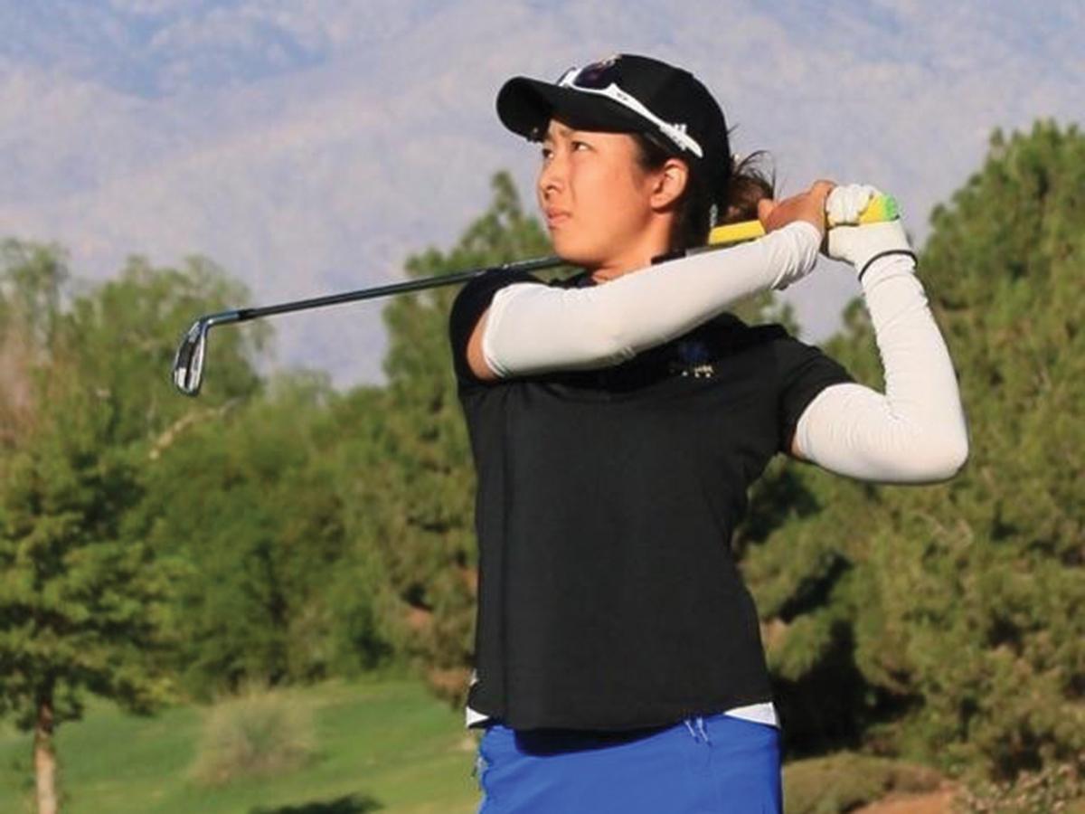 sports-golfwomen-ucrathletics