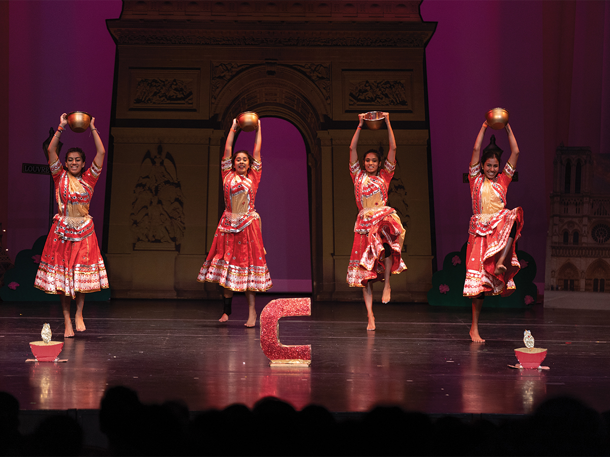 "SAF's second culture show ""Zindagi"" brings the South Asian community"